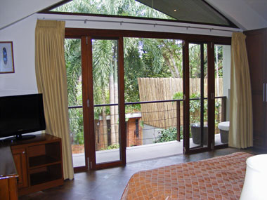 Bedroom 2 with balcony