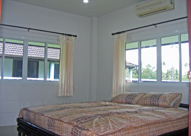 Bedroom with aircondition