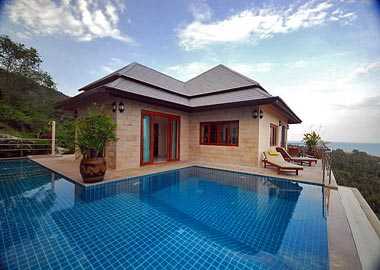 house with pool and seview